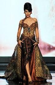 Baju Kebaya Wanita Gemuk Modern Agar Terlihat Langsing