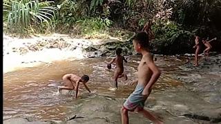 Permandian Sungai Aek Naoto Kecamatan Pangaribuan