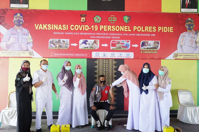 Cegah Virus Corona, Personil FKTP Polres Pidie Laksanakan  Vaksinasi Covid-19