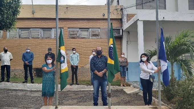 Covid-19 impõe passagem dos 62 anos de emancipação política de Altaneira apenas por hasteamento das bandeiras