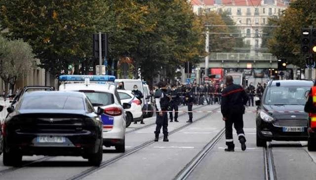 नाइफ में तीन की हत्या करने से पहले चाकू मारने वाला आदमी Akअल्लाहु अकबर` चिल्लाता है;  फ्रांस में घातक हमलों पर तथ्य जाँच करें