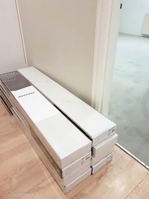 makuuhuone remontti  laminaatti christal white