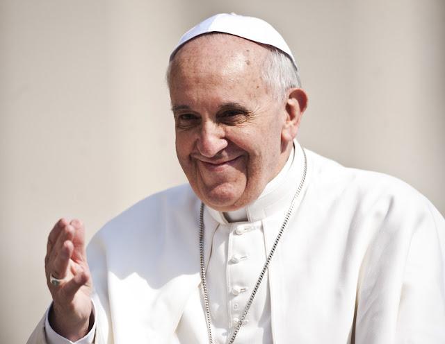 Paus Franciscus Gaat naar Ziekenhuis in Rome Voor Darmchirurgie.lelemuku.com.jpg