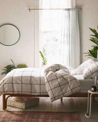 Dorm room decor minimalist
