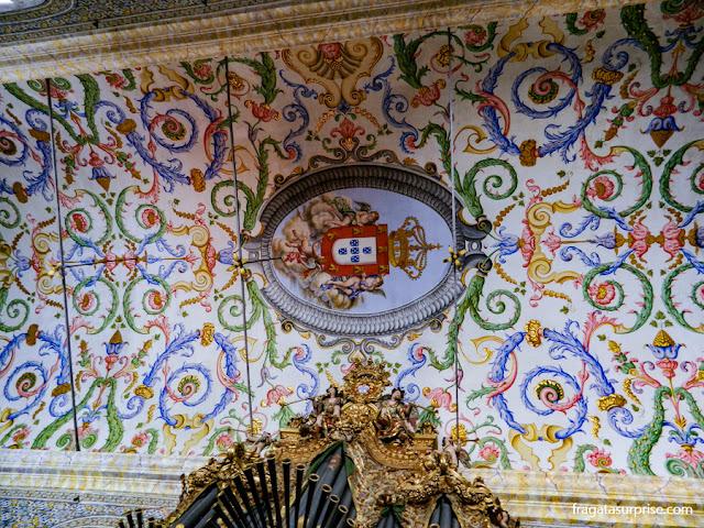 Decoração do forro da Capela de São Miguel, na Universidade de Coimbra
