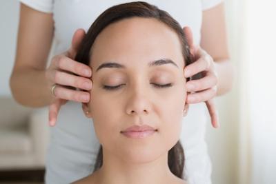 Doanh nhân Phan Đức Linh chia sẻ cách massage vùng sọ não