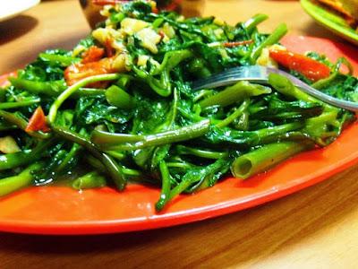 mungkin Anda sudah tau makanan yang satu ini Resep Cah Kangkung Ala Restoran