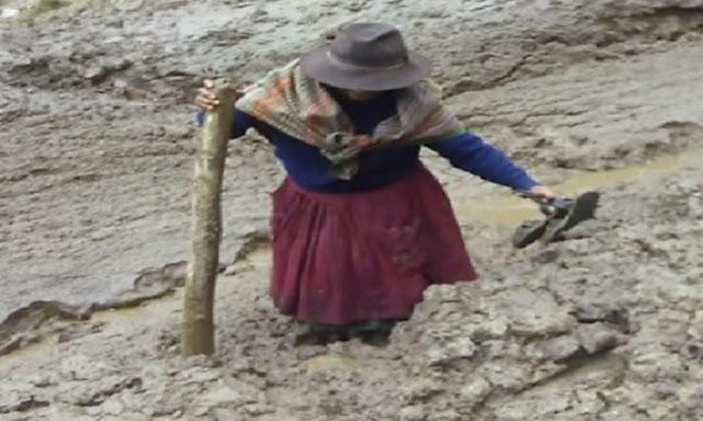 Lluvias destruye carreteras en Apurímac