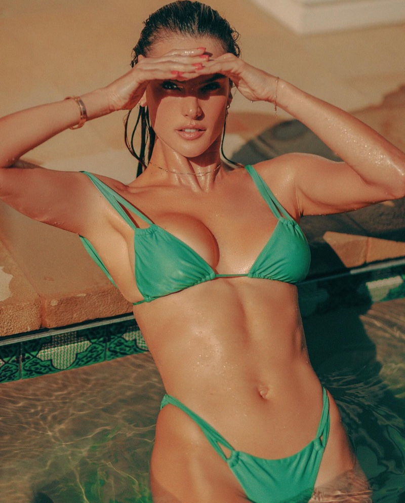 Supermodel Alessandra Ambrosio rocks Gal Floripa Flow bikini in aquamarine.