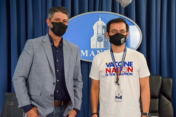 Mayor Isko and James Deakin