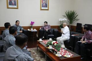 Menteri Suharso Bahas Isu Strategis Keamanan Laut Bersama Kepala Bakamla RI
