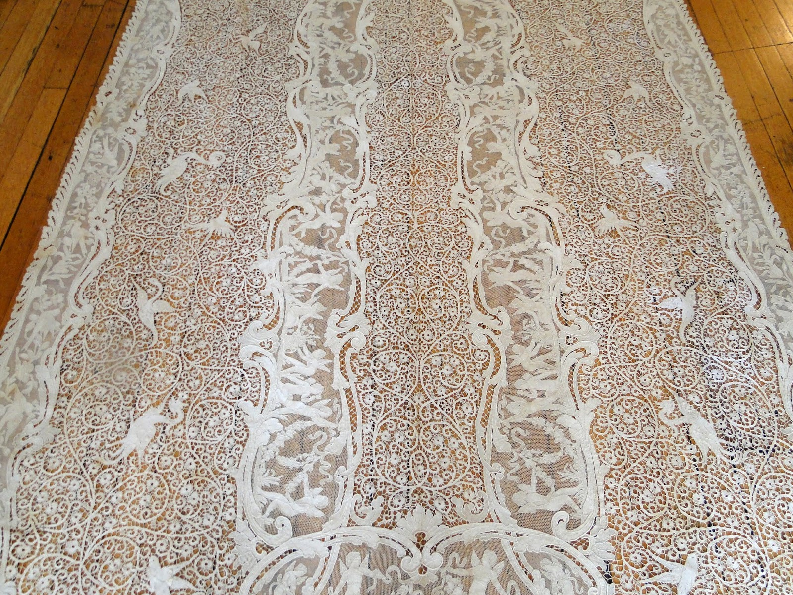 A Superior Italian Lace Banquet Tablecloth That Might Have Come From The  J.P.Morgan Estate.Circa 1900, One Rarely Comes Across This Level Of ...
