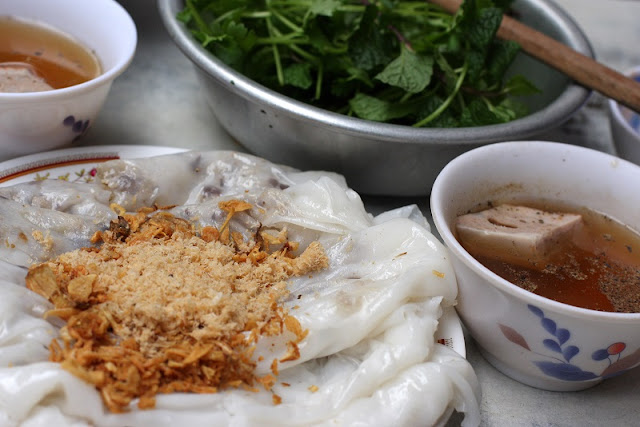 Banh Cuon – Vietnamese Steamed Rice Rolls