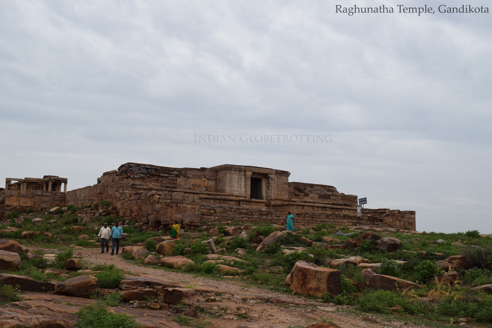 Raghunatha Temple at Gandikotta is located on the way to the gorge view point
