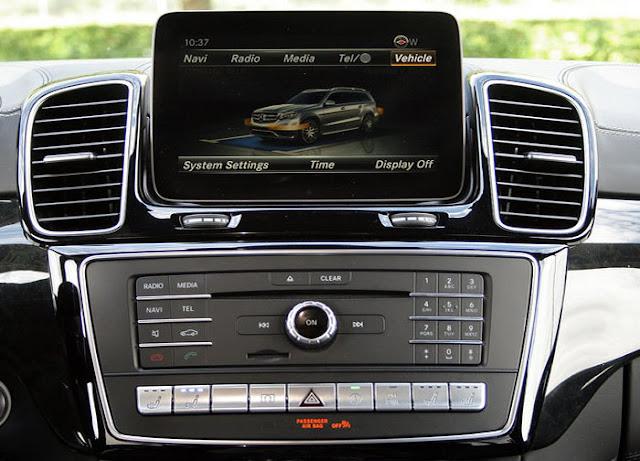 Mercedes AMG GLS 63 4MATIC 2018 sử dụng Hệ thống giải trí tiên tiến và hàng đầu của Mercedes hiện nay