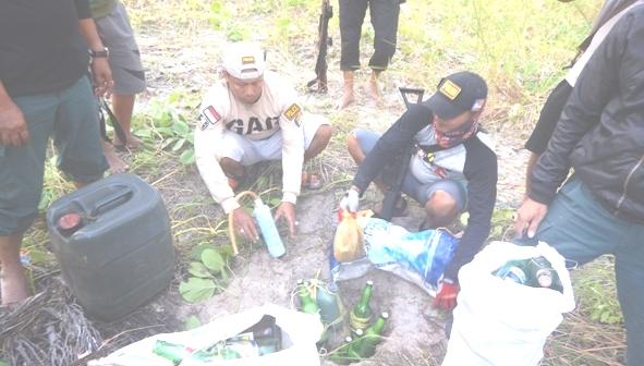Belasan Detonator Dan 100 Botol Lebih Bom Ikan Siap Pakai, Ditemukan Petugas Di Pulau Rajuni