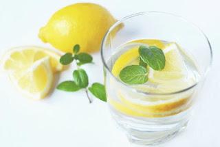Wow! Ini 24 Manfaat Mengejudkan Nyata Rajin Minum Air Perasan Lemon Tiap Pagi