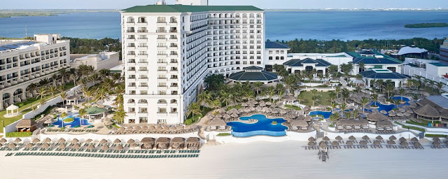 Indulge in a revitalizing retreat at JW Marriott Cancun Resort & Spa, where you'll discover numerous upscale amenities including spacious, sand-toned accommodations, on-site dining and premier access to alluring destinations.