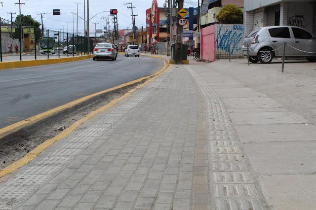 Obras qualificam trecho da Av. Presidente Kennedy, em Olinda, e melhoram fluxo do transporte público