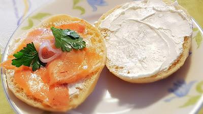 Salmone e formaggio spalmabile.