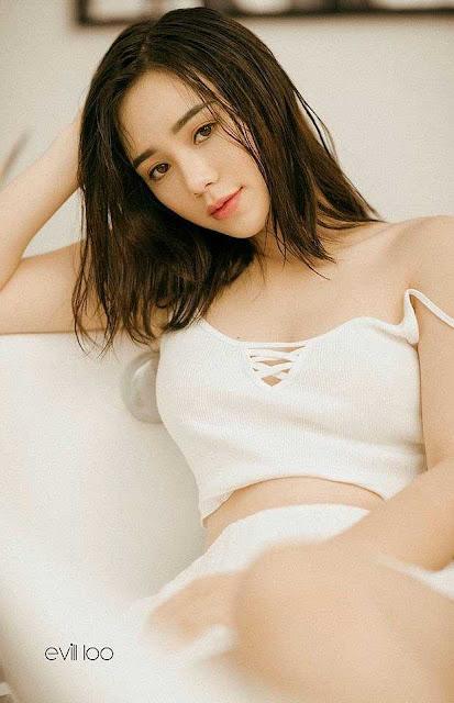 """Chân dung hot girl thủ vai """"em gái mưa"""" gây bức xúc nhất màn ảnh Việt"""