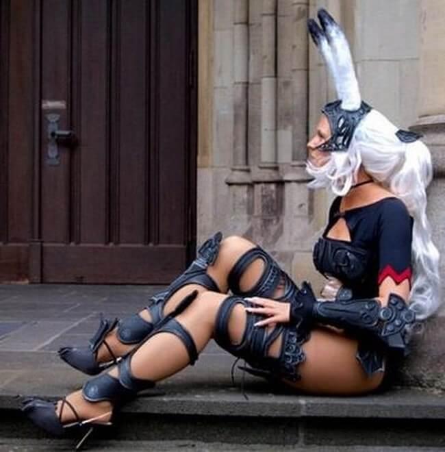 Modelos cosplays femininos perfeitos caracterizadas de Final Fantasy