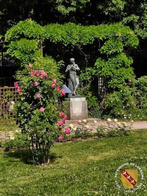 NANCY (54) - Parc de la Pépinière : Le Joueur de flûte (1879)