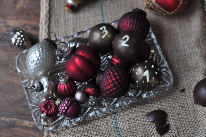 easy DIY Chocolate Advent Calendar for adults and older kids (and it's gluten free, too!)