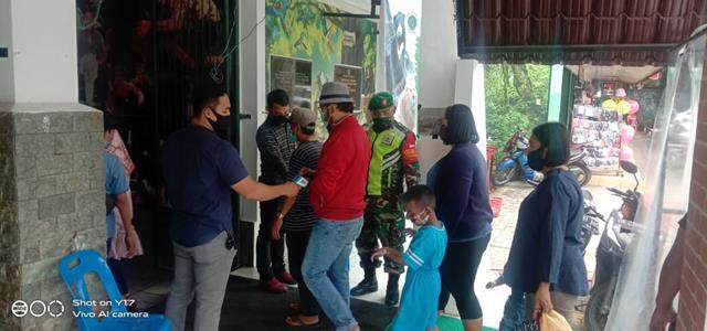 Edukasi Covid-19 Dilaksanakan Personel Jajaran Kodim 0207/Simalungun Ditempat Taman Hewan Siantar