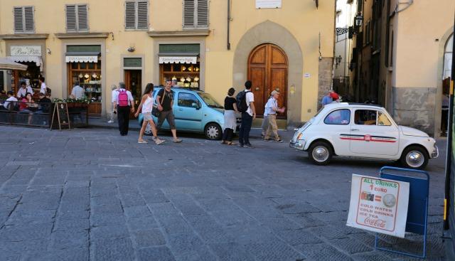 Straßenszene Florenz - unterwegs mit Kindern in Florenz
