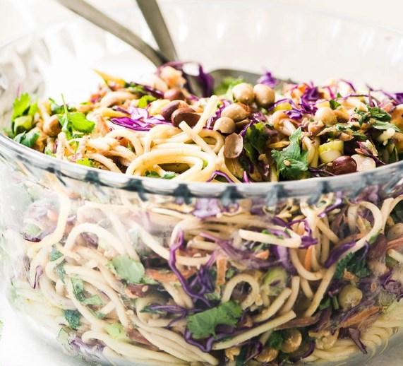 SPICY THAI SPAGHETTI SALAD #vegetarian #lunch