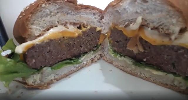 Rápido e prático de fazer, Hambúrguer Caseiro pode ser consumido sozinho ou em lanches