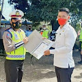 Tertipkan Knalpot Racing, Kumtua Desa Tenga Dapat Penghargaan Sat Lantas Polres Minsel