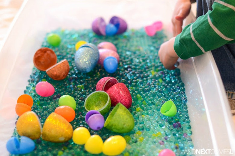 Easter sensory bin - Easter activities for preschoolers and toddlers