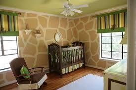 Cuarto de bebé temática jirafas