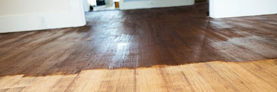 làm mới sàn gỗ tự nhiên