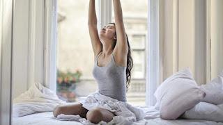8 Kebiasaan Baik yang Bisa Kamu Lakukan Sebelum Jam 10 Pagi