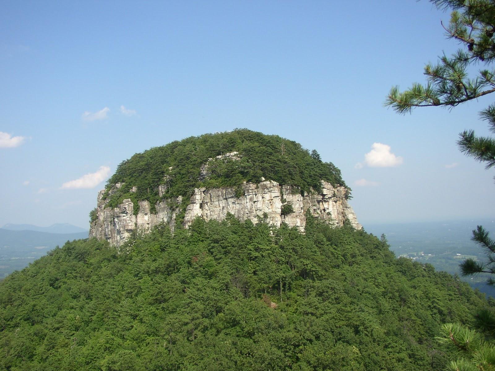 https://1.bp.blogspot.com/-SArzhyyvQws/TkYjJ5RIvlI/AAAAAAAAEnc/BR2k0NFIlU8/s1600/burkina-faso-mountain.jpg
