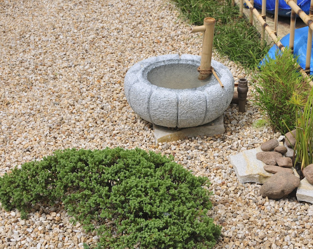 tsukubai, jardim japones, fonte para jardim japones, esculturas para jardim