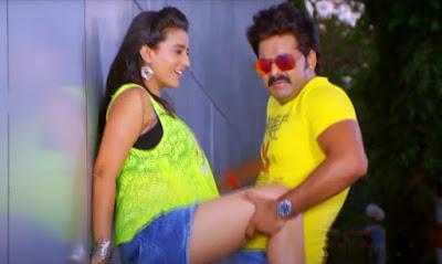 akshra-singh-thigh-hot-pics-22