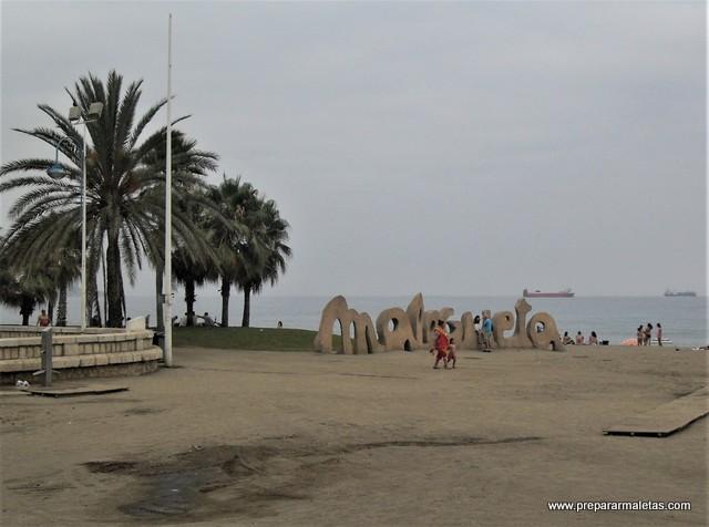 un día de playa en la Malagueta