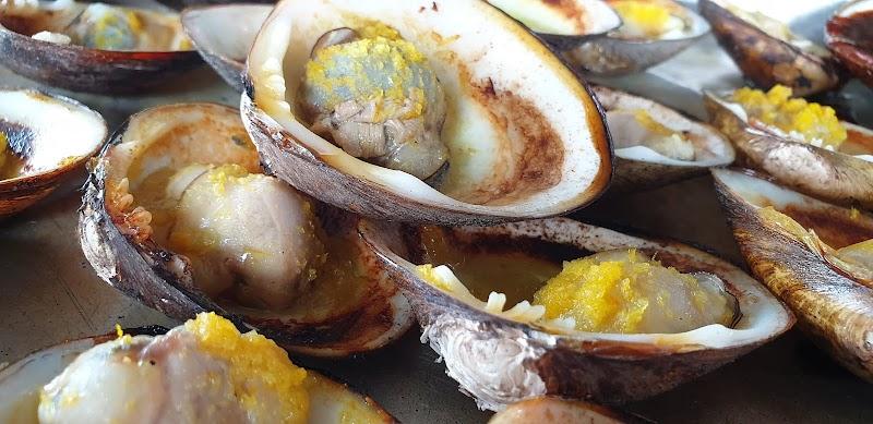 Makan Lokan Sedap di Gerai Kelapa Bakar Kak Tini (Lokan Bakar & Puding Kelapa) Tuaran 2020