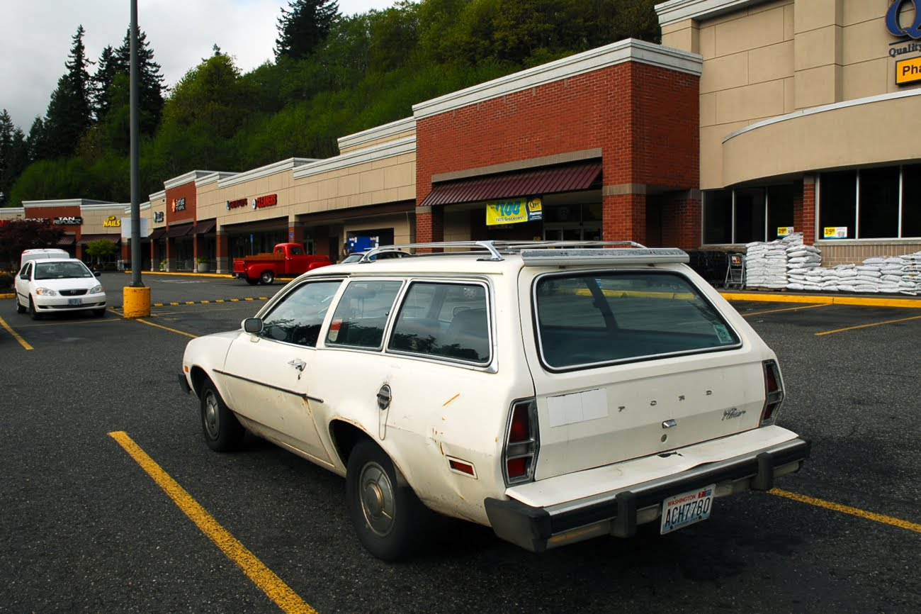 OLD PARKED CARS.: 1979 Ford Pinto Squire. |Pinto Station Wagon