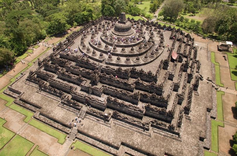 اجمل المعابد في اندونيسيا