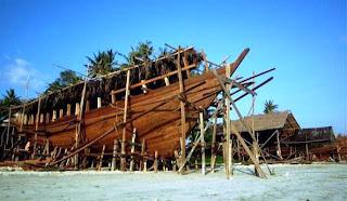 Tempat Wisata di Sulawesi Selatan - Pusat Kerajinan Perahu Phinisi