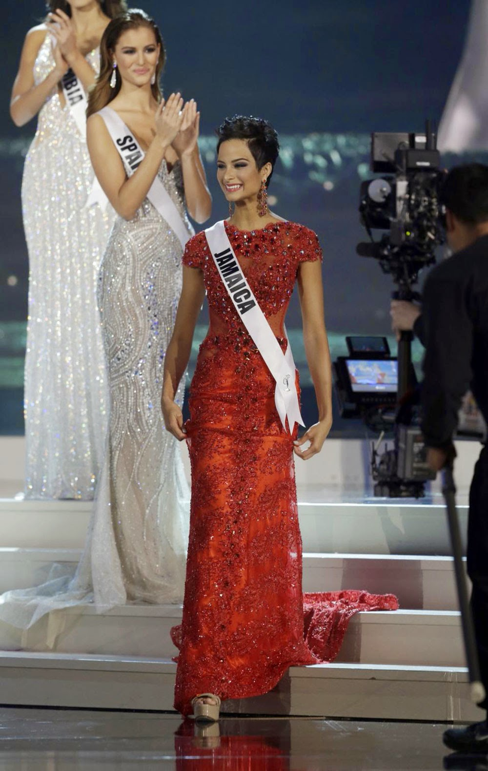 Miss Jamaica had to leave the stage after coming in fifth in the contest
