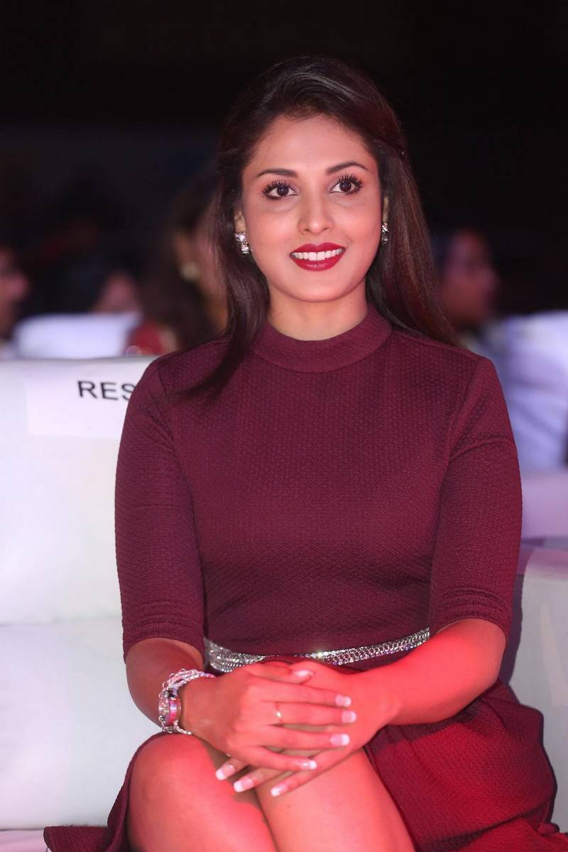 Madhu Shalini Stills In Maroon Dress