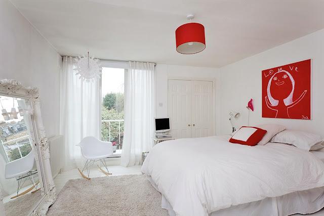 quarto casal branco e vermelho