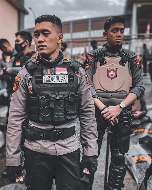 5 Profesi yang Kelihatan Cowok Banget Dimata Wanita- Polisi