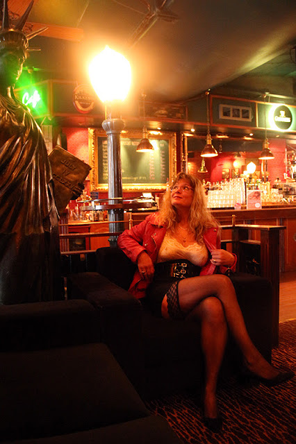 Autumn, Kuopio, thight skirt, leather jacket, see through shirt, stay-ups, high heels, big breasts, hard nipples  - Syksy, Kuopio, tiukka hame, nahkatakki, läpinäkyvä pusero, stay-upit, korkokengät,  isot rinnat, nännit nöpöttävät